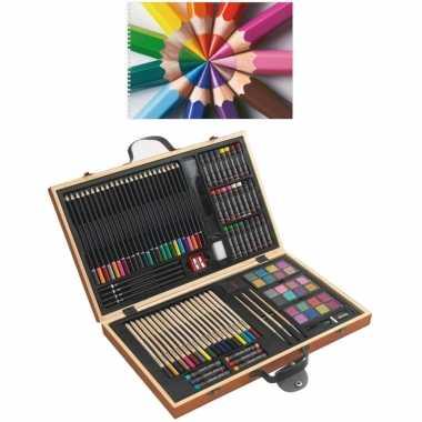 Complete teken/schilder doos 88-delig met een a4 schetsboek
